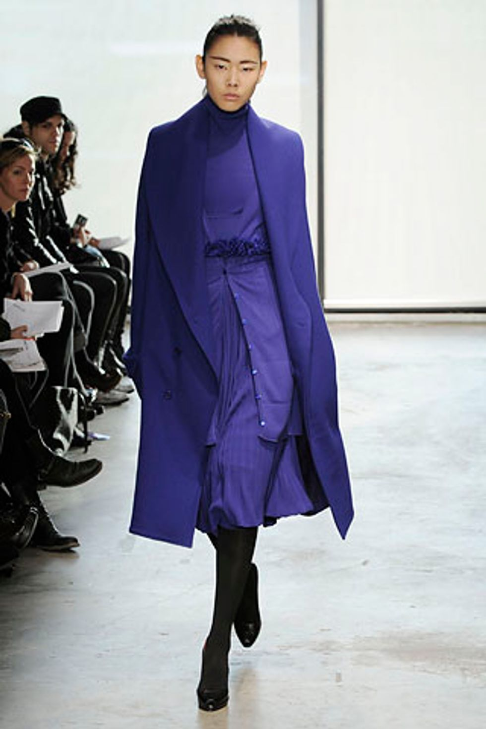 The Look is Hard Edged Chic at Ohne Titel