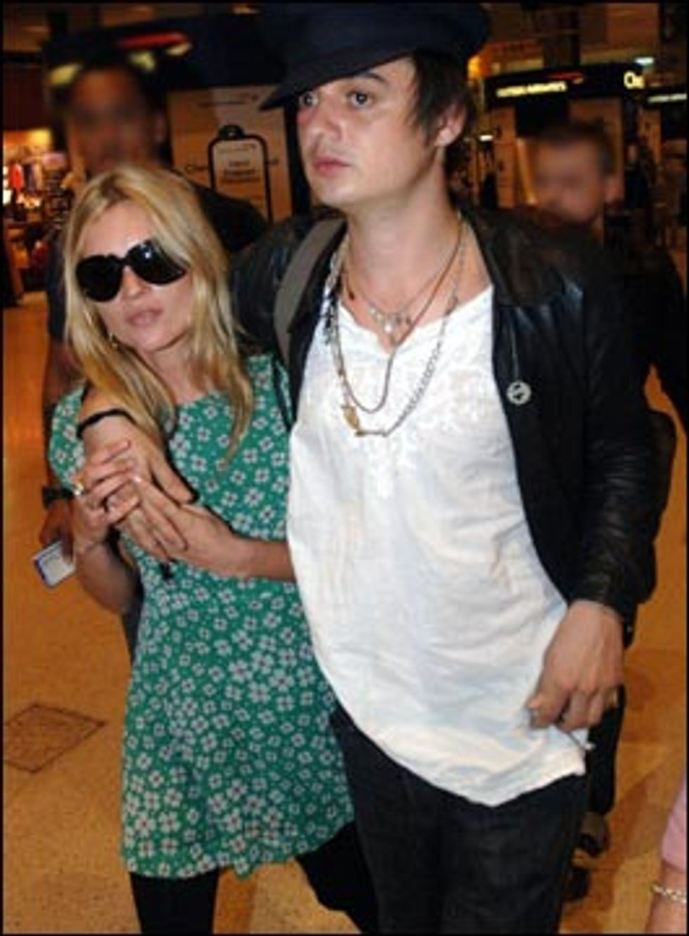 Kate Moss And Pete Doherty - At It Again!