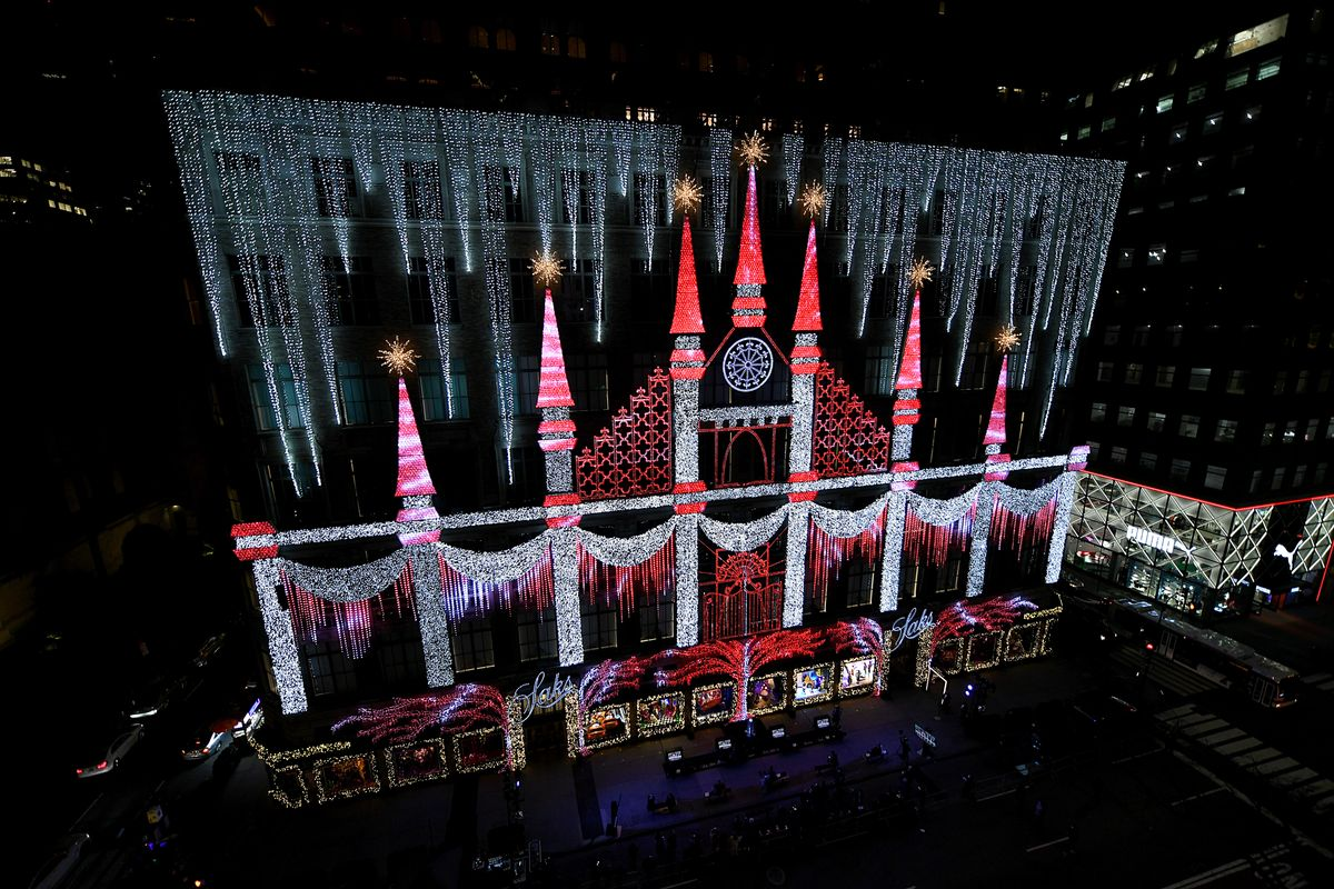 How Saks Fifth Avenue Is Lighting Up New York for the Holidays