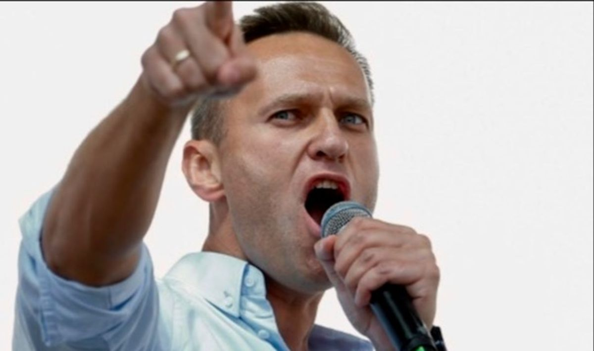 Russia pushes back after Alexei Navalny's Putin 'palace' probe
