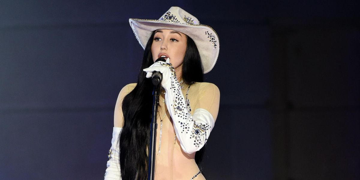 Noah Cyrus' Sheer CMT Look Dominated 2020 Searches