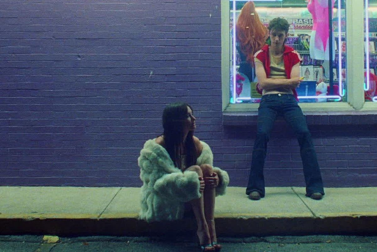 Troye Sivan and Kacey Musgraves Take it 'Easy'