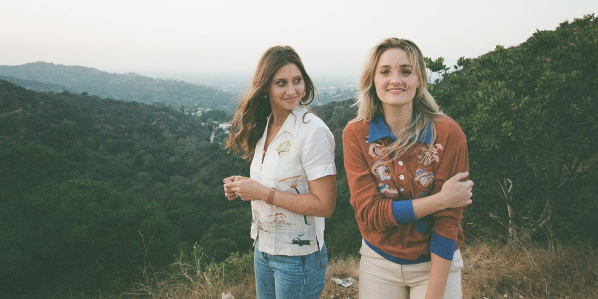 Aly & AJ Head to the Ranch in Their 'Slow Dancing' Video
