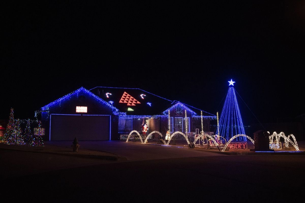 The 5 most festive drive-thru holiday light shows for 2020