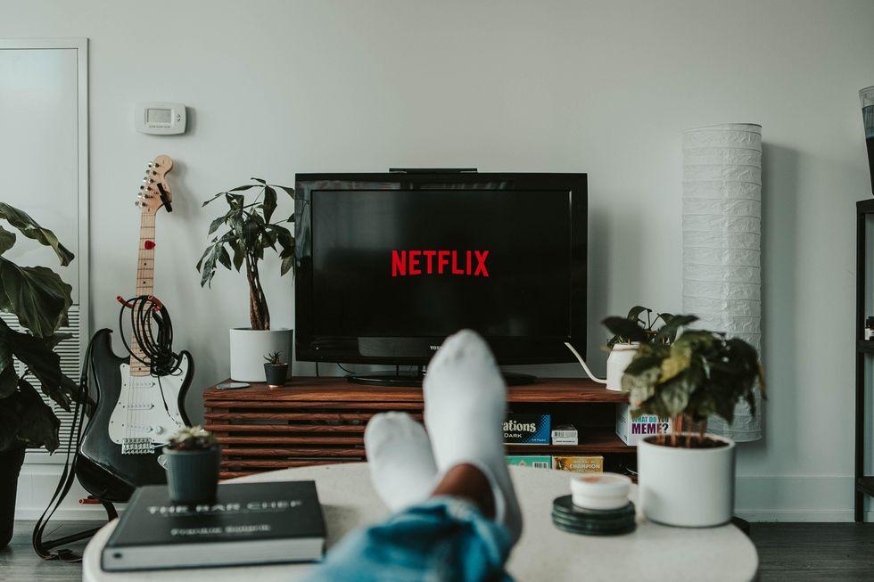 15 Binge-Worthy TV Series On Netflix to Watch Over Christmas Break