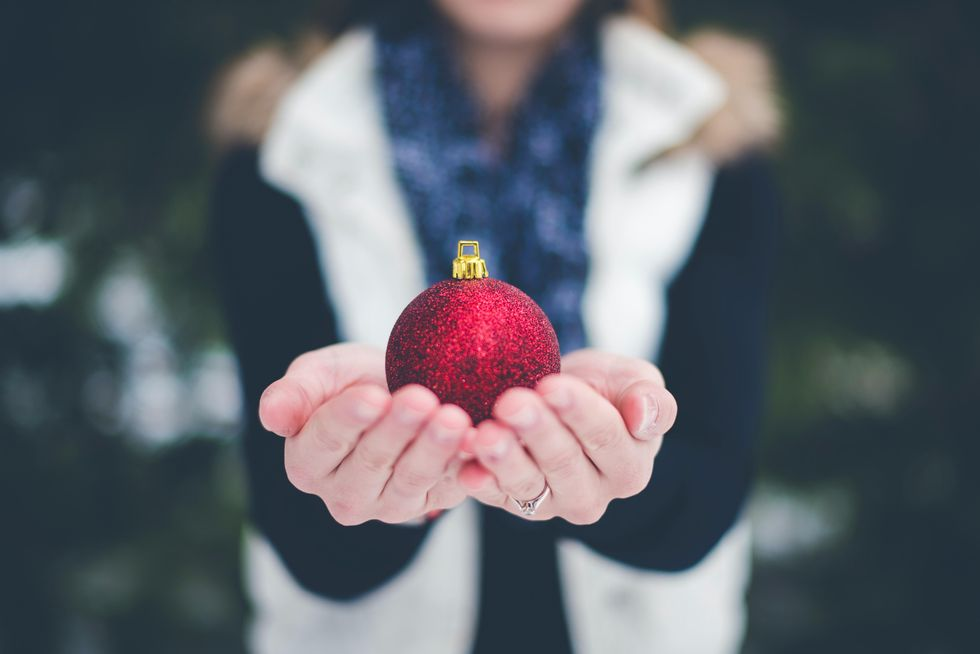4 Practical, Safe Ways To Spread Holiday Cheer This Year
