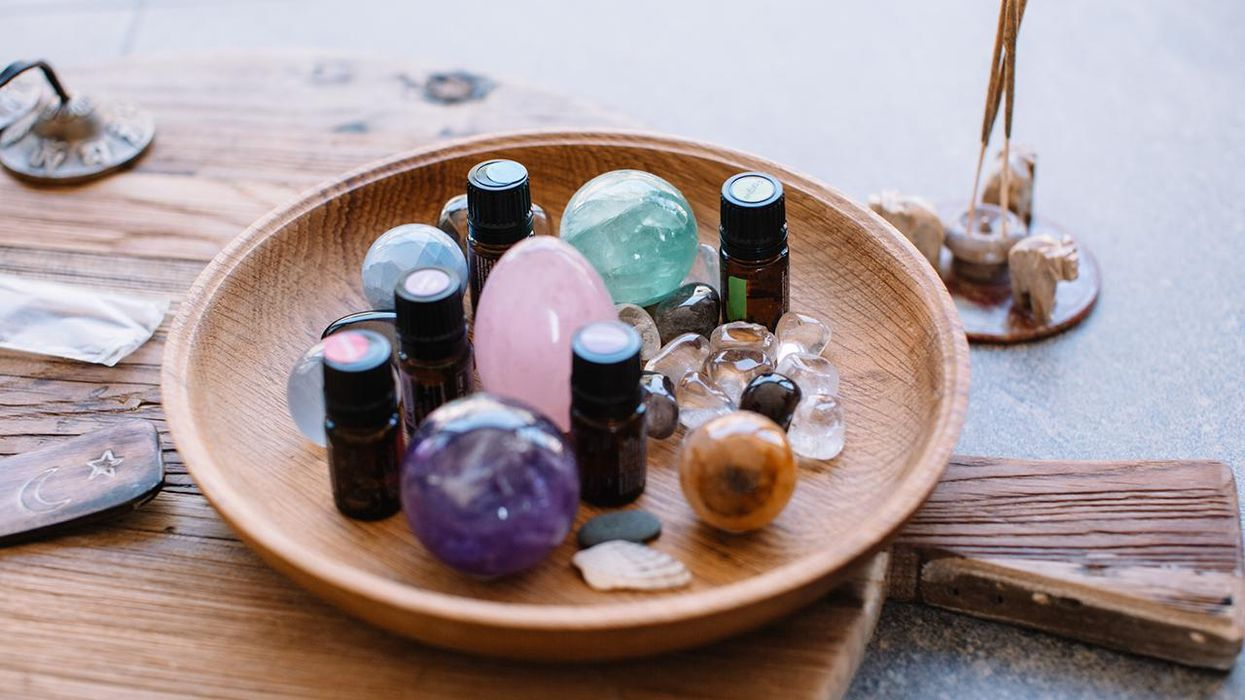 4 Essential Oils for Anxiety That Are Worth a Try