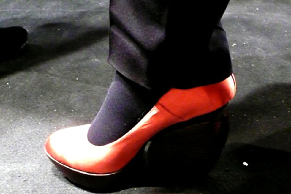 Anne Valerie Hash Does Shoes