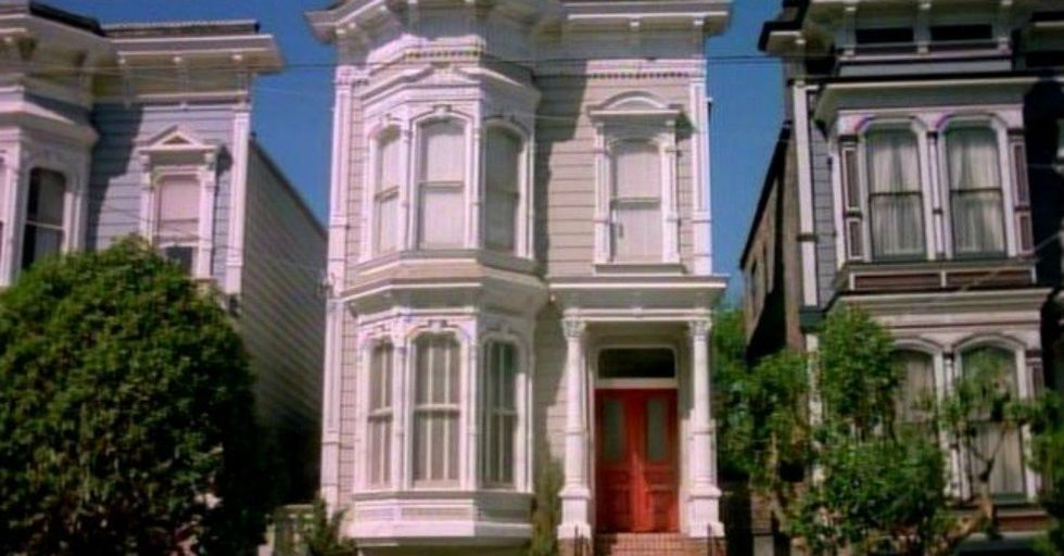 The REAL 'Full House' House Looks TOTALLY Different Inside Than You'd Expect