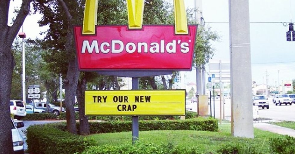 Order Up! 30 Hilarious Fast Food Sign Fails