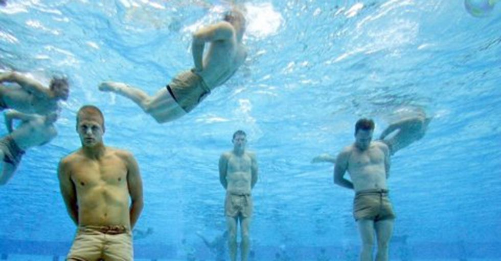 A Navy SEAL Shows You How To Survive Drowning Using These Tips