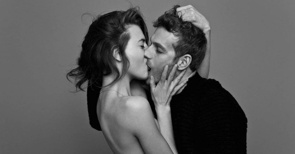 A Photographer Created a Social Experiment By Asking Couples and Strangers to Kiss on Camera