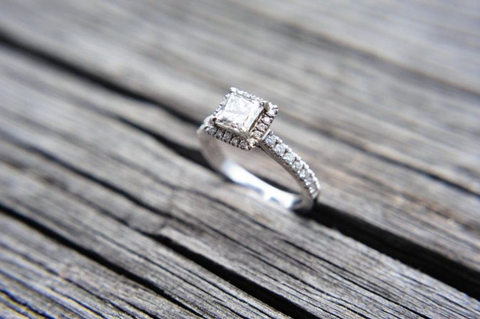 Dumped Fiancé Posts Hilarious Ad For Engagement Ring Worn By 'Satan Herself'