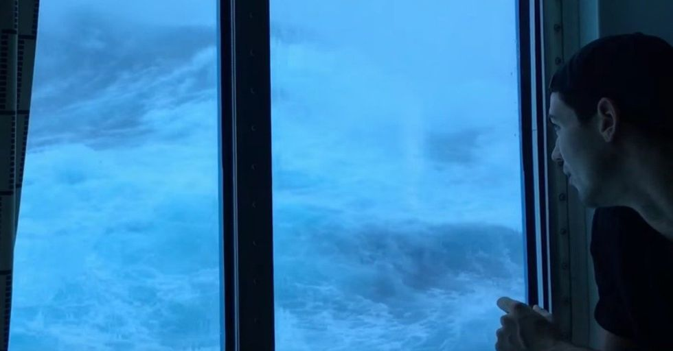 This Insane Footage Shows Giant 30-Foot Waves Crashing Into a Cruise Ship