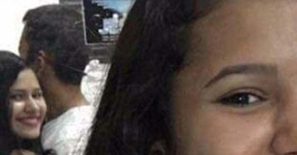 This Couple's Incredibly Creepy Pic Has Twitter Users Demanding an Explanation