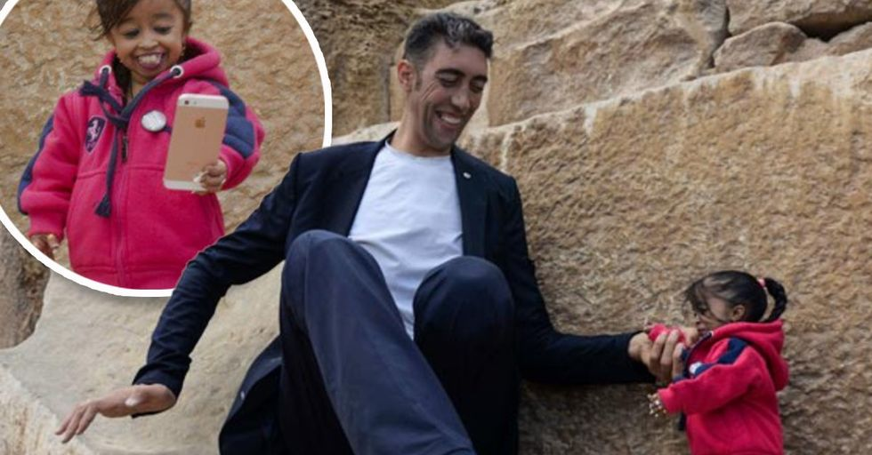 The World's Tallest Man Met the World's Shortest Woman in Egypt for One Epic Photo Shoot