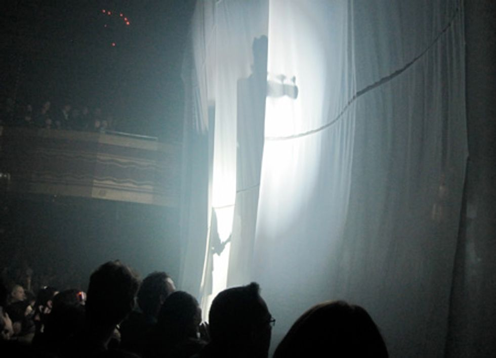 Behind the White Curtain: Nosaj Thing, JJ and the XX at Webster Hall