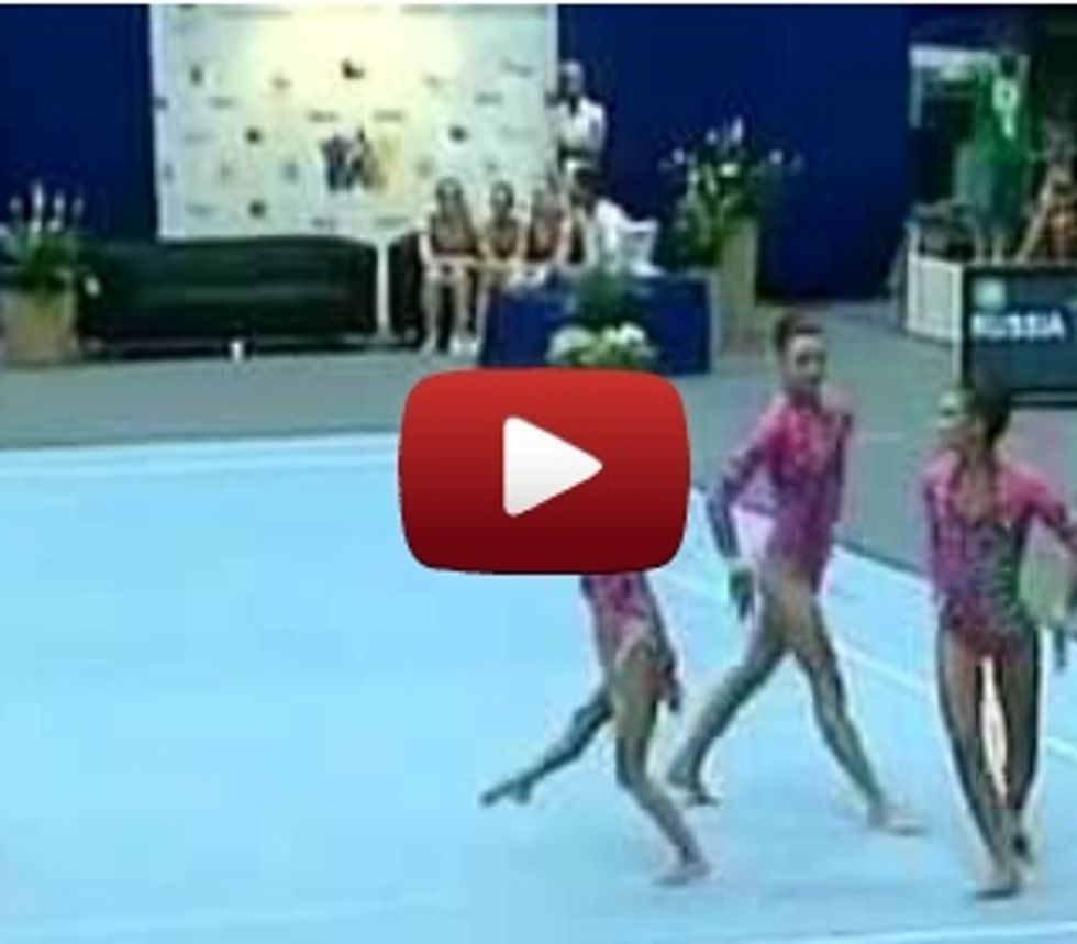 Crazy 3-person Russian gymnastics routine