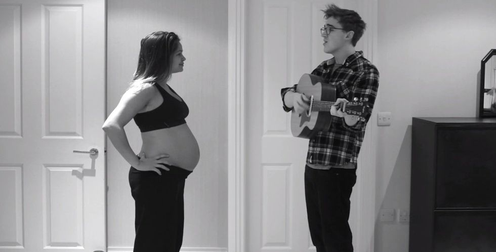 Songwriter sings to his wife as she becomes 9 months pregnant and gives birth in 3 minutes