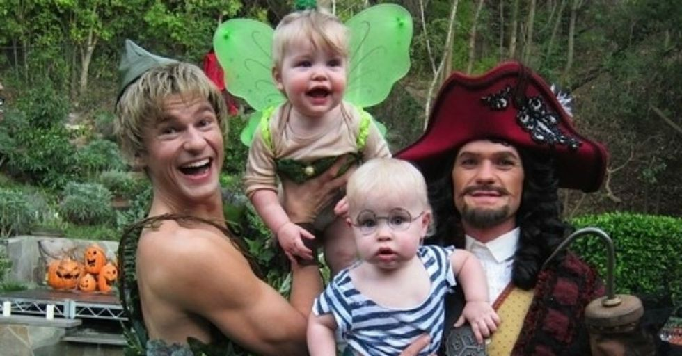 30 Fantastic Family Costumes Anyone Can Put Together