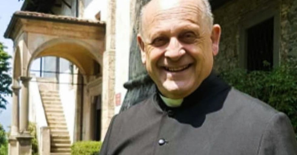 Italian Priest With Coronavirus Dies After Sacrificing Ventilator to Save Younger Patient