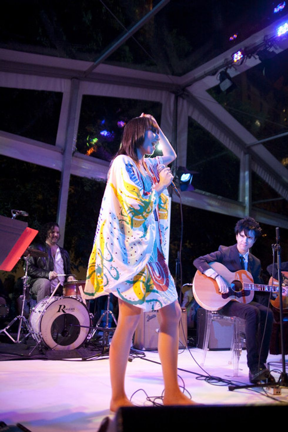 Karen O Takes Her Shoes Off at the MoMA.