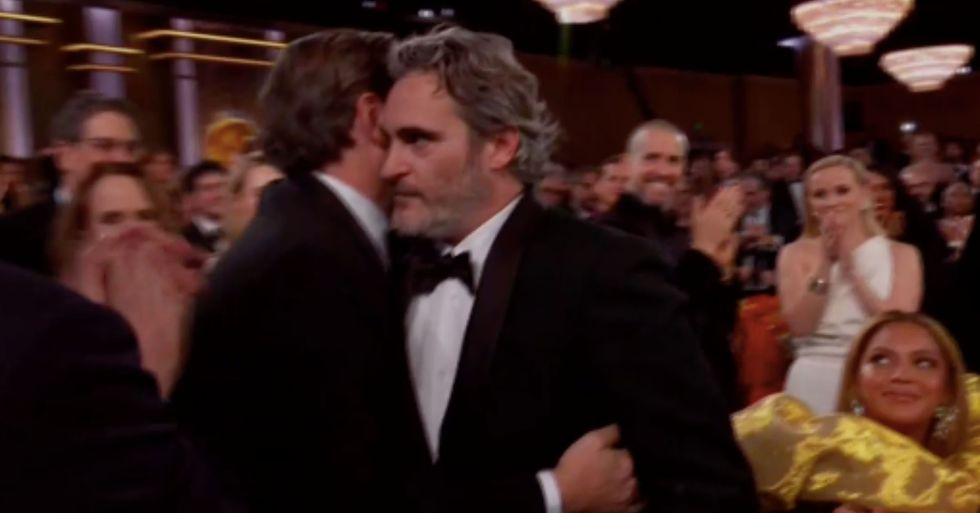'Rude' Beyonce Slammed for Remaining Seated During Joaquin Phoenix's Golden Globes Win