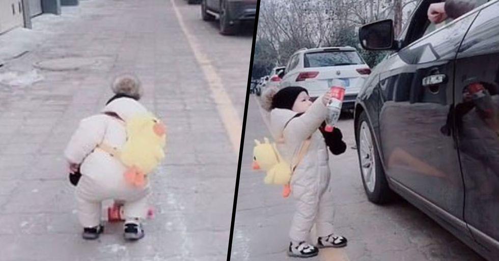 Toddler Shames Driver Who Threw a Plastic Bottle Onto Sidewalk