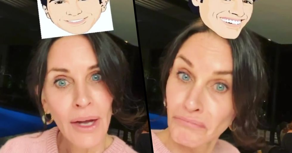 Courteney Cox Struggles to Get Monica in 'Which Friends Character Are You' Instagram Filter