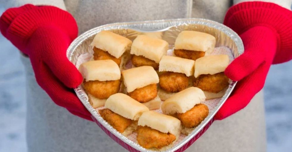 Chick-Fil-A's Heart-Shaped Nugget Tray for Valentine's Day 2020 Is the Perfect Gift