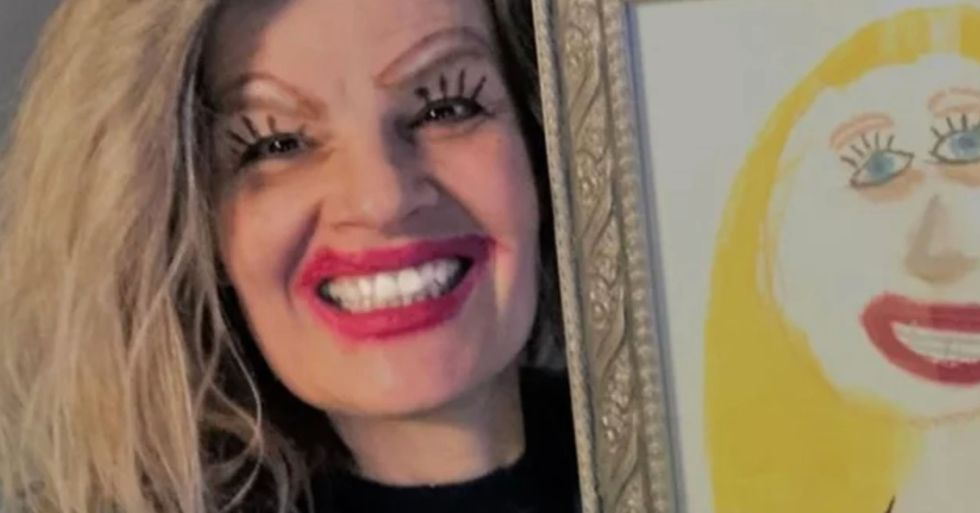 Mom Posts Hilarious Selfie Posing Next to Her Daughter's Drawing of Her