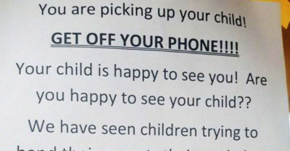 Daycare Shames Parents for Using Their Phones When They Pick up Their Kids