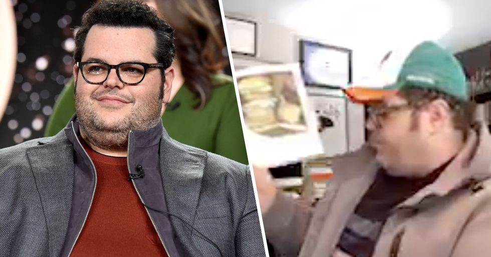 Josh Gad Reads Bedtime Stories on Twitter to Comfort Kids in Isolation