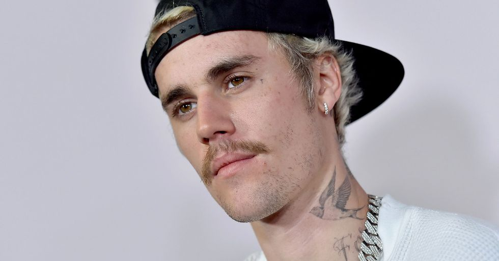 Woman Tries to Hide From Justin Bieber After He Accepts Video Chat Request
