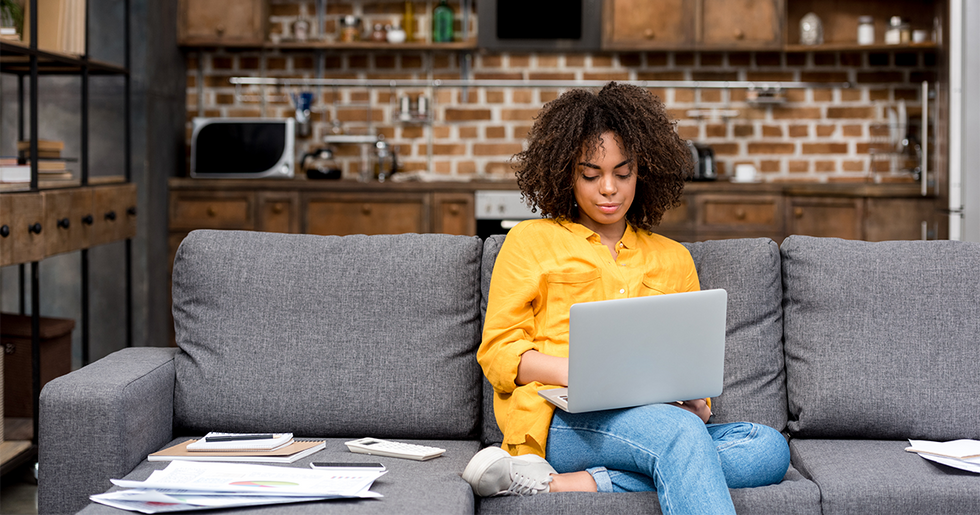 Woman's Viral Thread Details Everything Not to Do While Working from Home