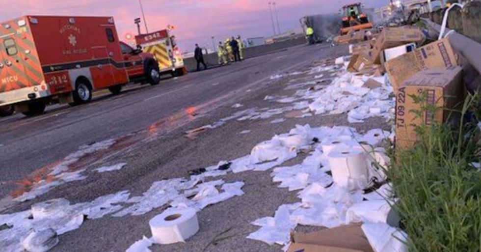 Truck Carrying Masses of Toilet Paper Crashes in Texas and Spills All Its Contents