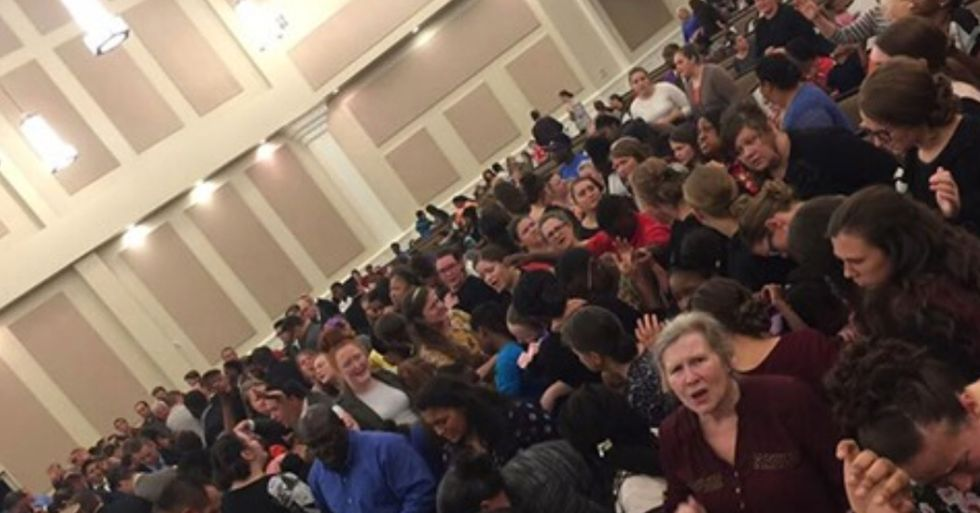 'Disgusting' Picture Proves Pastor's Church was Fully Packed on Easter