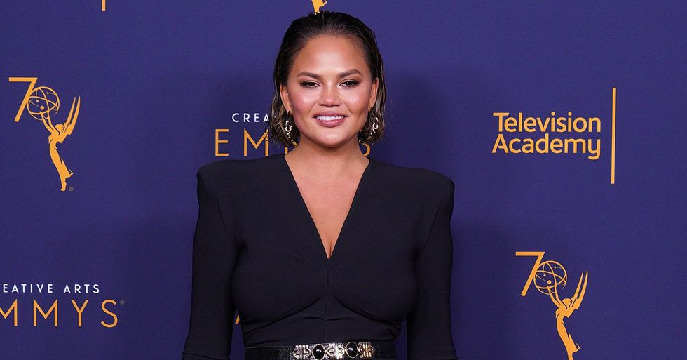 Chrissy Teigen Claps Back at Trolls Criticizing Her 'Square Body' in  Thirst Trap Video