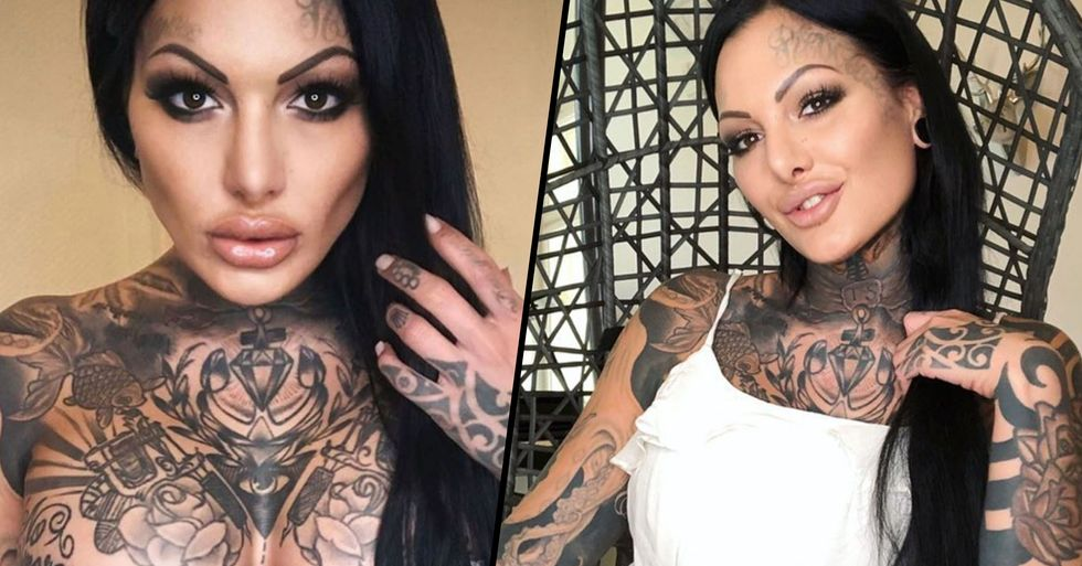 Model With Hundreds of Tattoos Shows What She Looks Like With No Ink