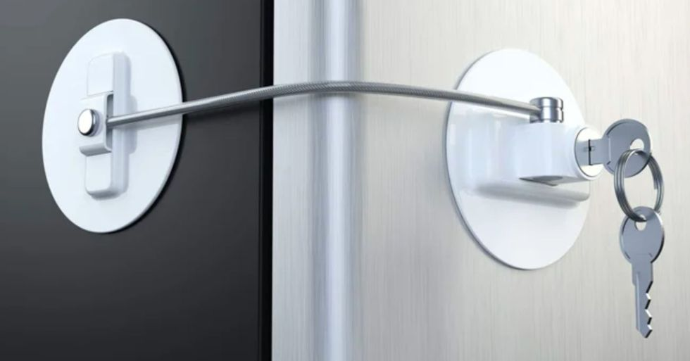 Key Lock for Your Fridge Is a Must Have to Stop People Eating Your Food