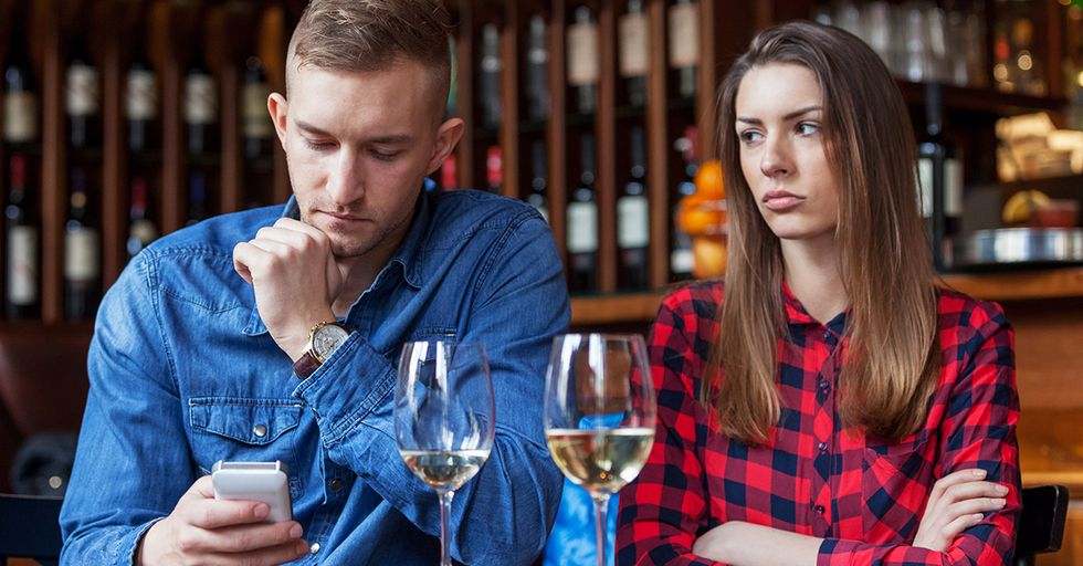 19 People Share the Things That Are Forbidden on a First Date