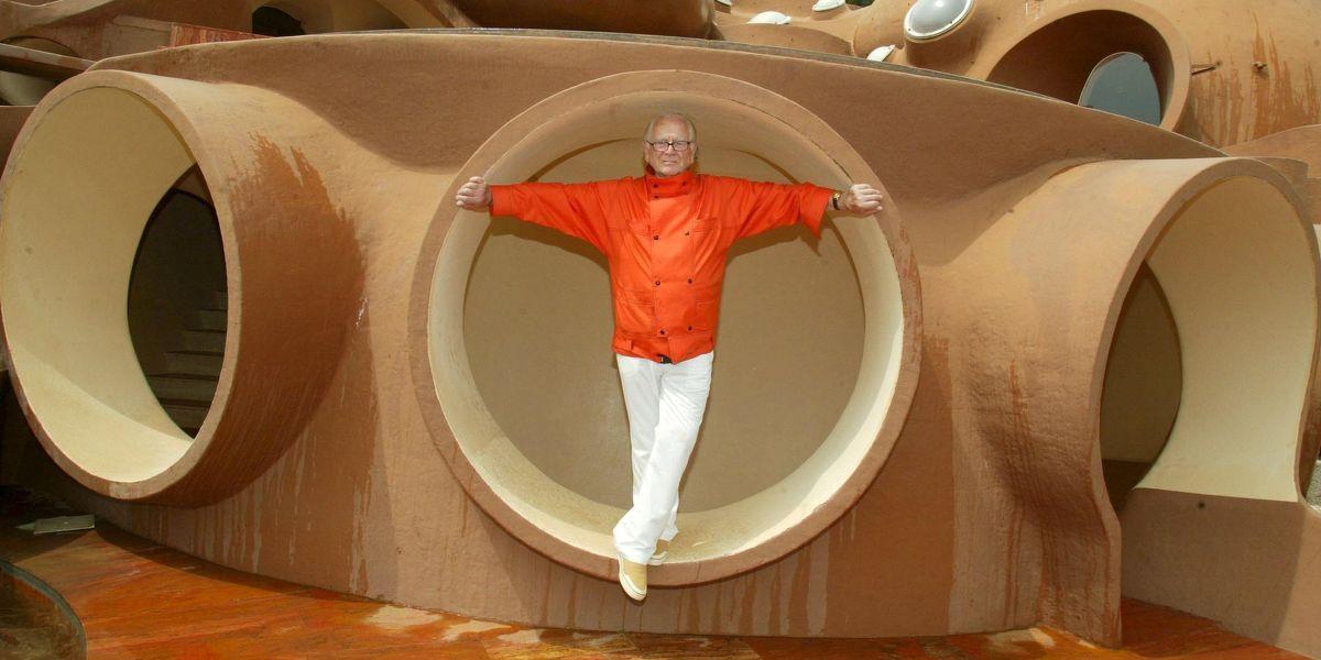 Legendary Fashion Designer Pierre Cardin Dies at 98