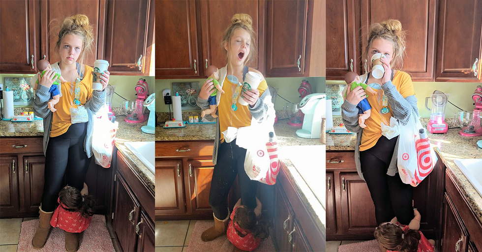 Teen With 8 Siblings Dressed As Tired Mom For Halloween, Nails It