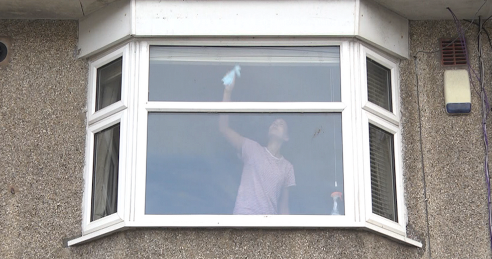 Police Share Picture of Woman Cleaning Windows With Serious Warning