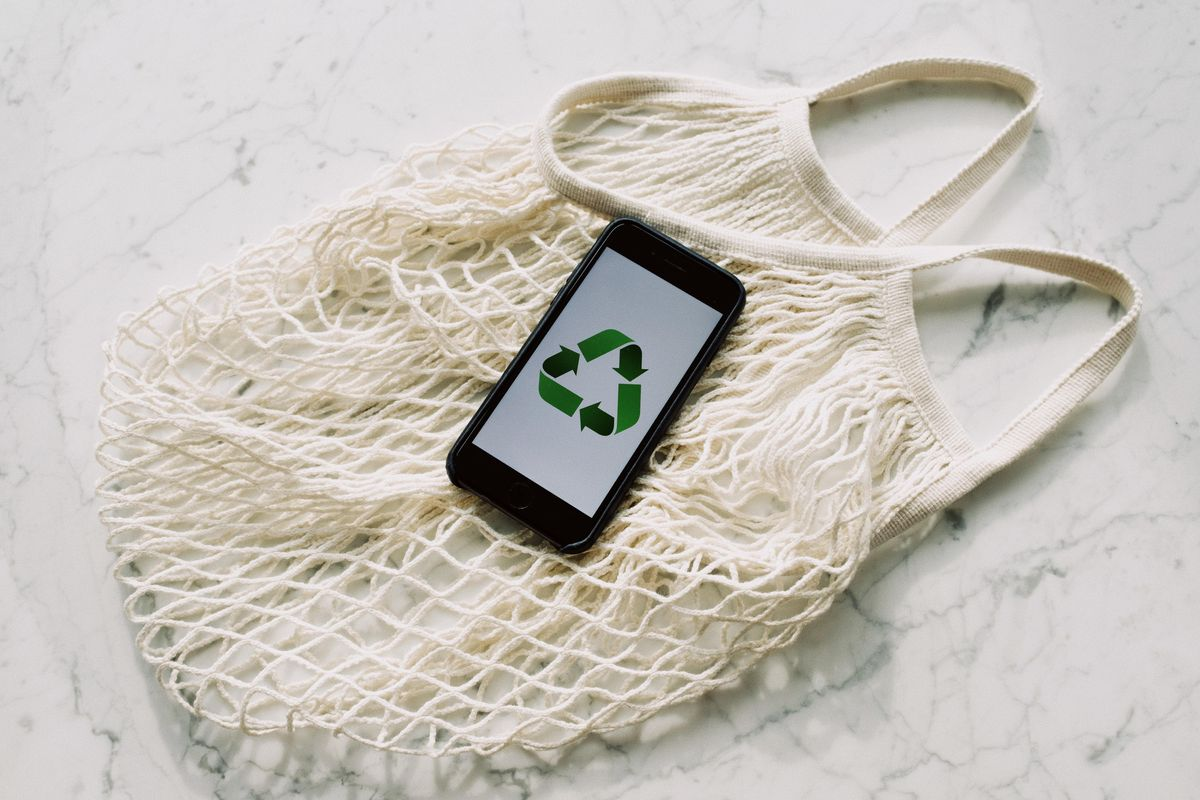 New Amazon badge helps you discover and shop for more sustainable products