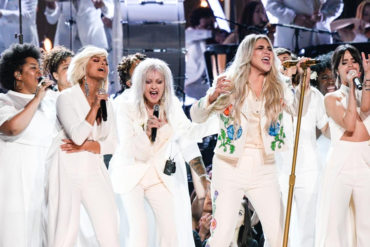 Kesha performing her song Praying with celebrity friends at the GRAMMYs