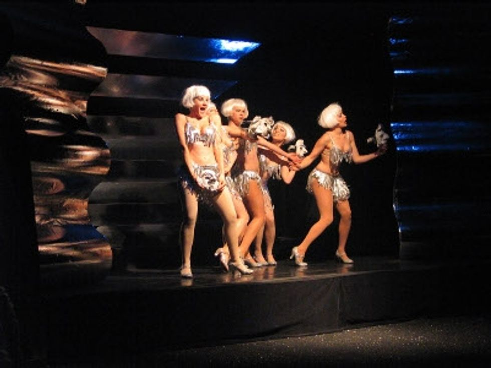 Stage Notes:Oh, Those Beautiful Weimar Girls