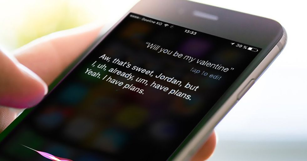 Siri's Snarkiest, Most Hilarious Answers to People's Dumb Questions