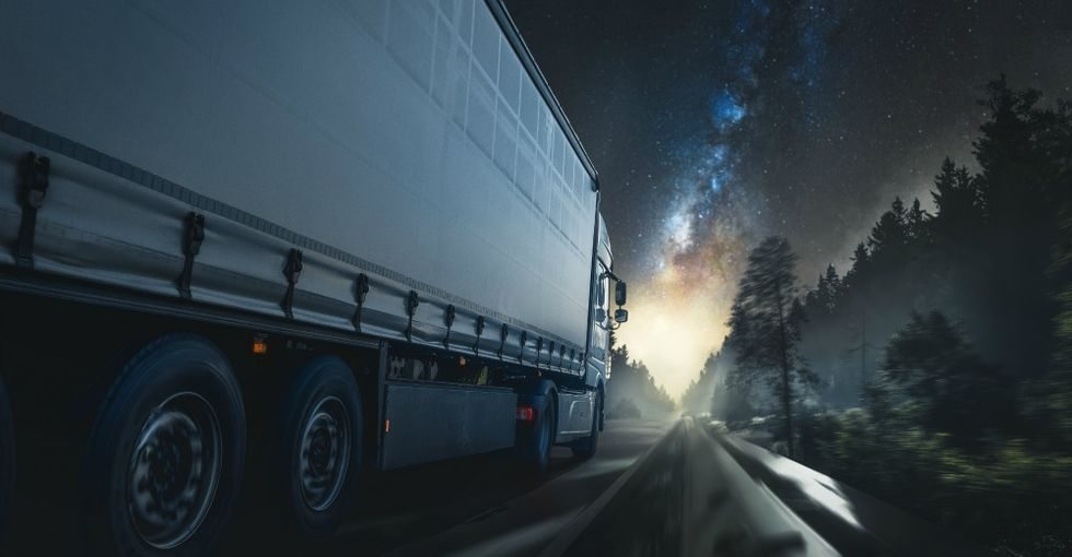 Truck Drivers Reveal The Most Bizarre Things They've Seen On The Road