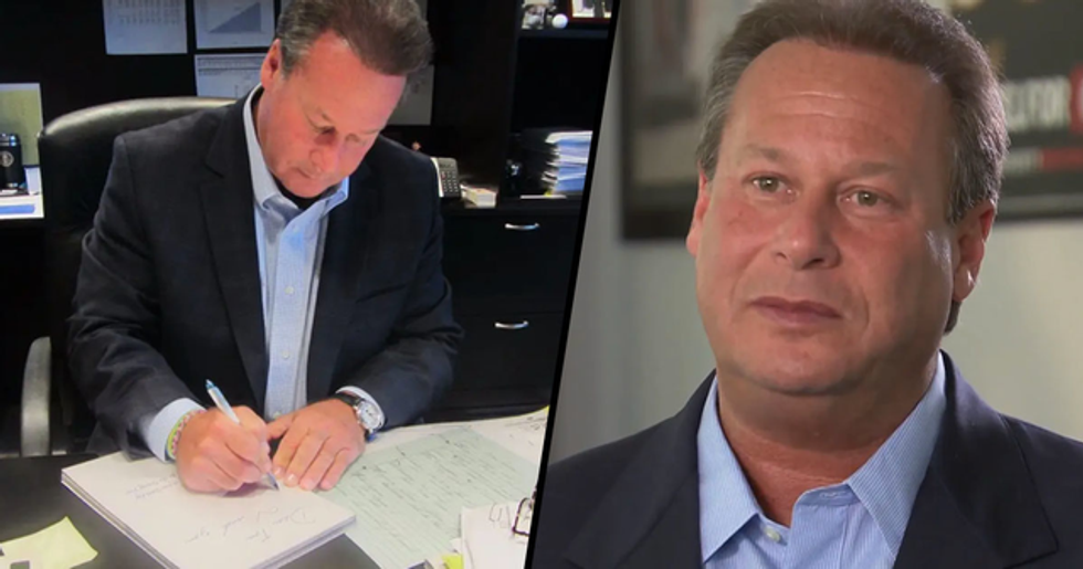 CEO Writes 9,200 Employee Birthday Cards a Year as a Way to Say Thank You